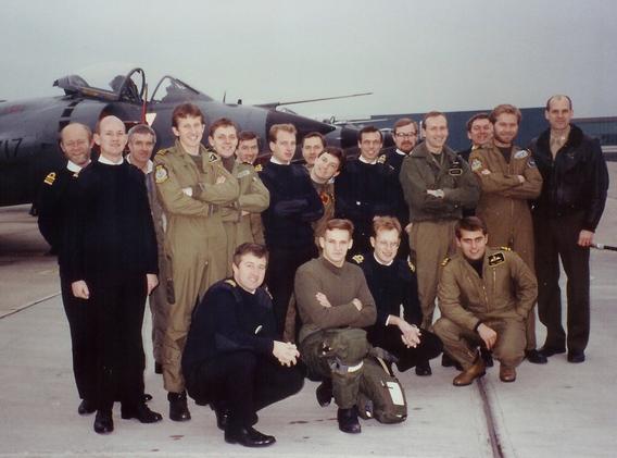 899 Pilots 1990