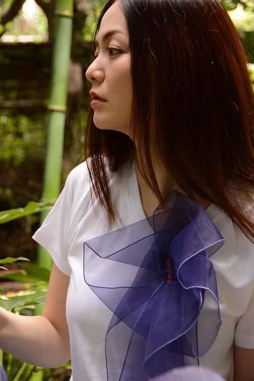 ラッフルアップリケ-スミレー Kikuko  Only one  T-shirt