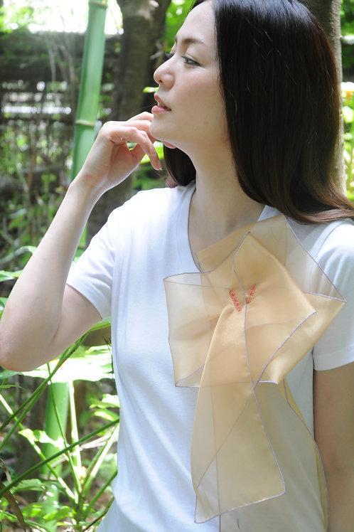 ラッフルアップリケ-ゴールド  Kikuko  Only one  T-shirt