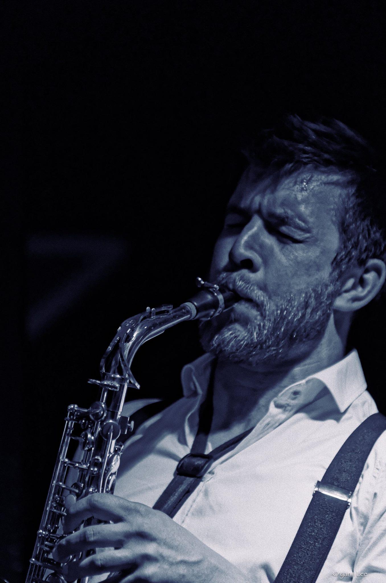 Tom Patterson au saxophone