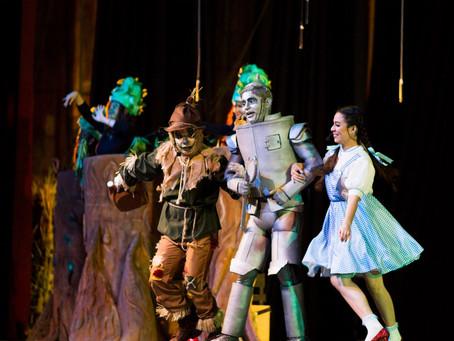 """Ópera de El Salvador conquista con su musical """"Broadway"""""""