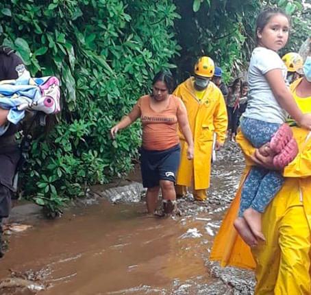Romantizar la pobreza en medio de tormentas tropicales y una pandemia