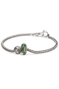 Spring2018_bracelet_Menu-300x450