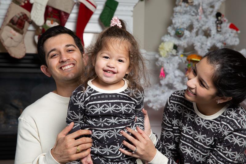 Family holiday photos in Arlington, Virginia.