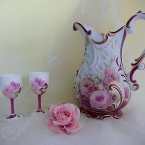 バラ水指とワインカップ
