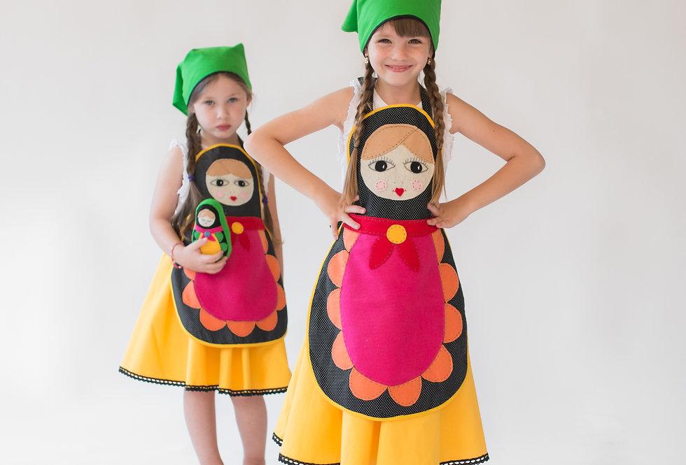 תחפושת בבושקה/מטריושקה ילדות - סינר שחור עם נקודות לבנות והרבה צבע