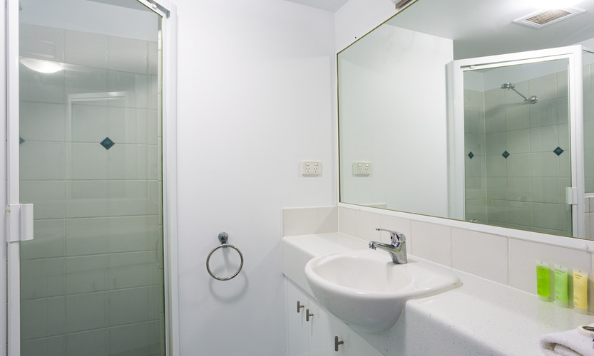Bathroom Garden/Pool view