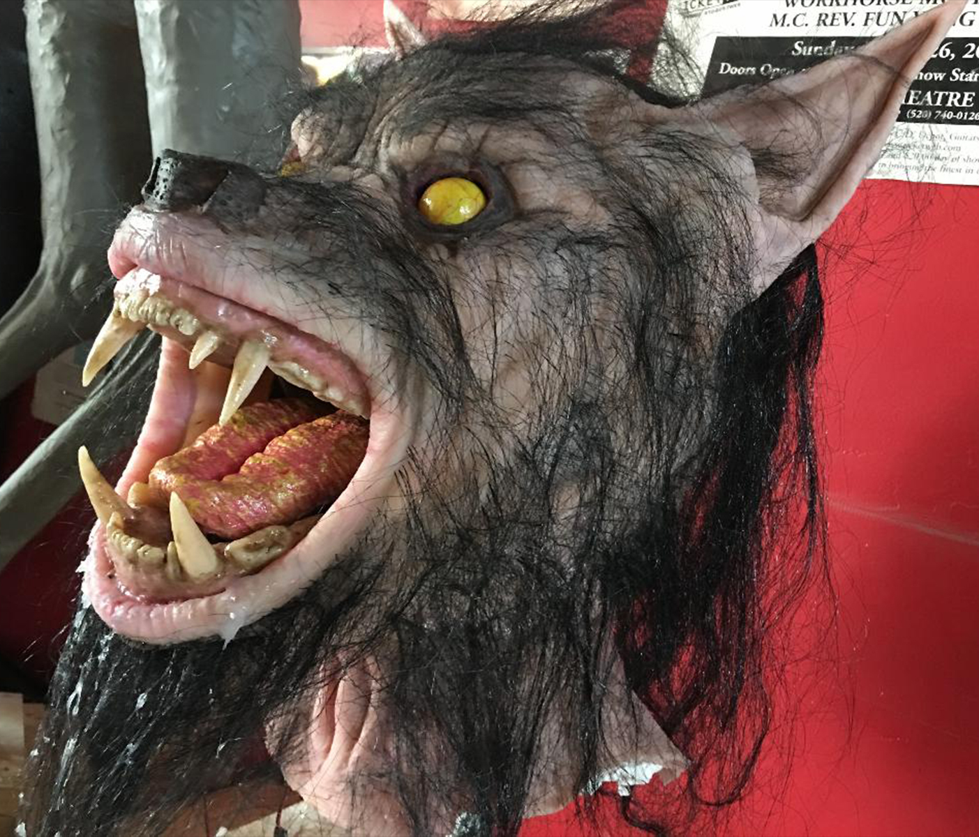 Animatronic wolf head