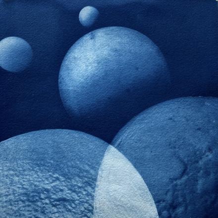 Pale Blue Dots 15, 2021, cyanotype, wooden frame, 370 x 375mm