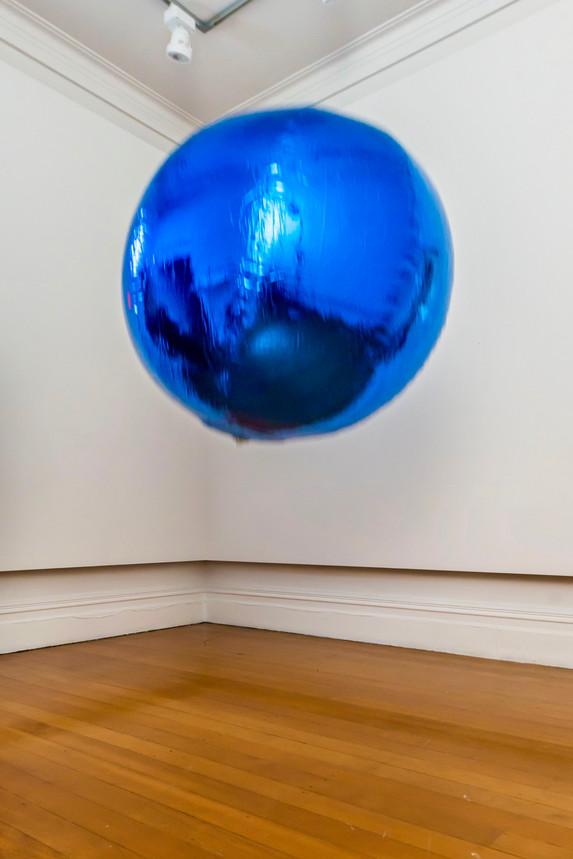 Numinous Spheres (Blue), 2020 Studio One Toi Tu