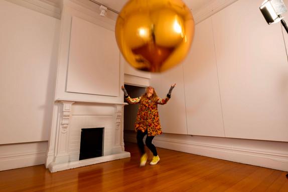 Numinous spheres (Gold), 2020