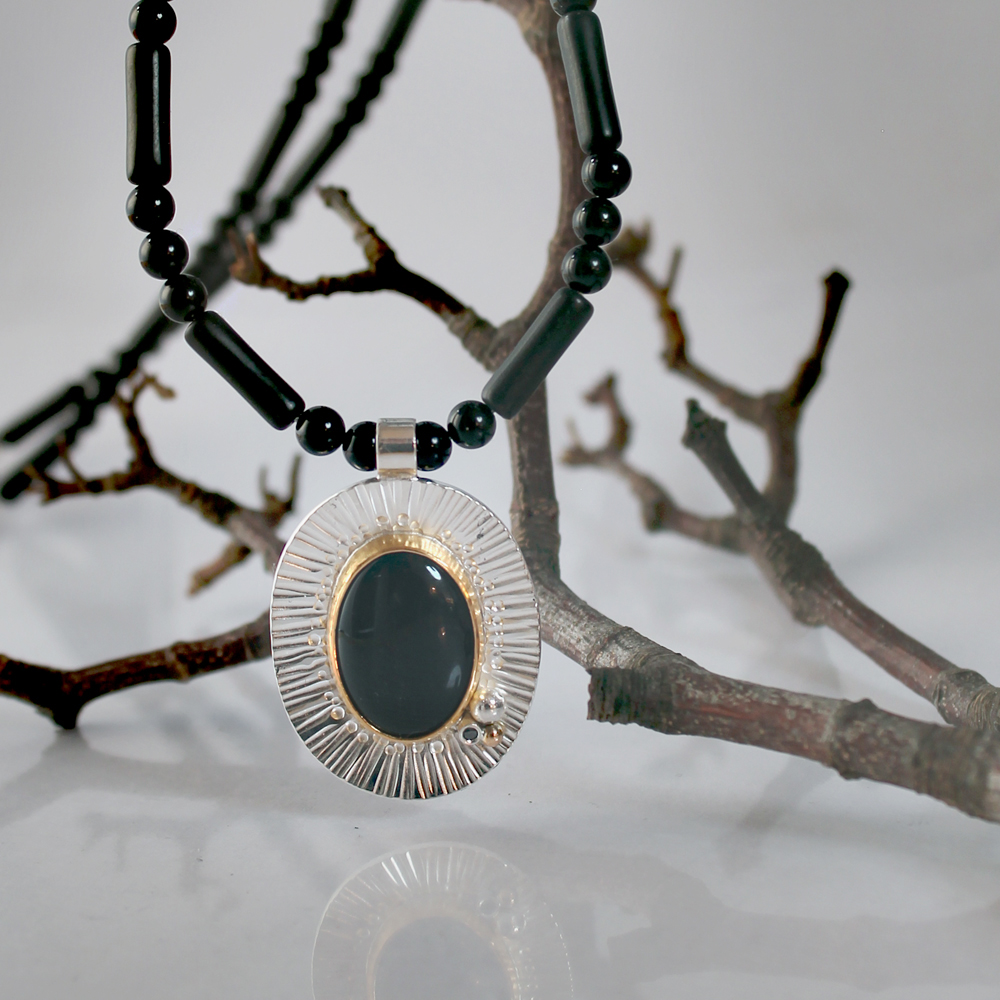 Halsband med onyx
