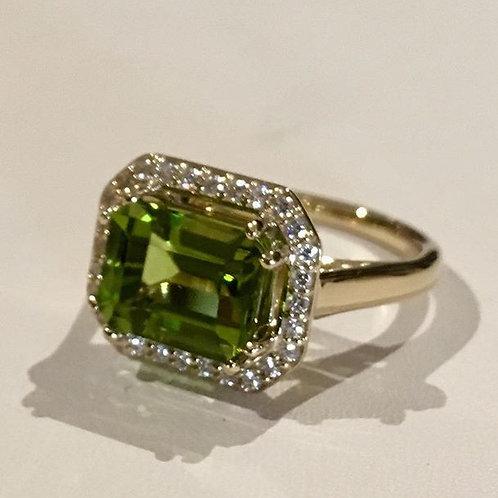 Ring, Peridot, diamond, 14K, gold