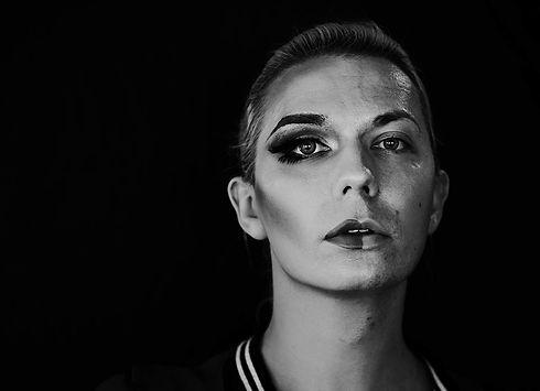contemporary-photoshoot-transgender-woma