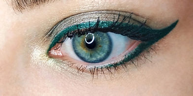 Blue%20eye%20gold%20green%20arrow%20eyel