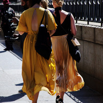 yellow-dresses-in-nyc_t20_R6enZw (1).jpg