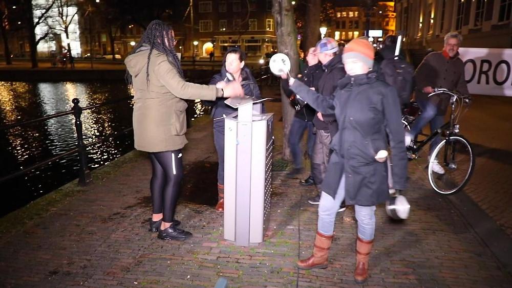 (bron: NU.nl) Lawaaiprotest 14-12-2020