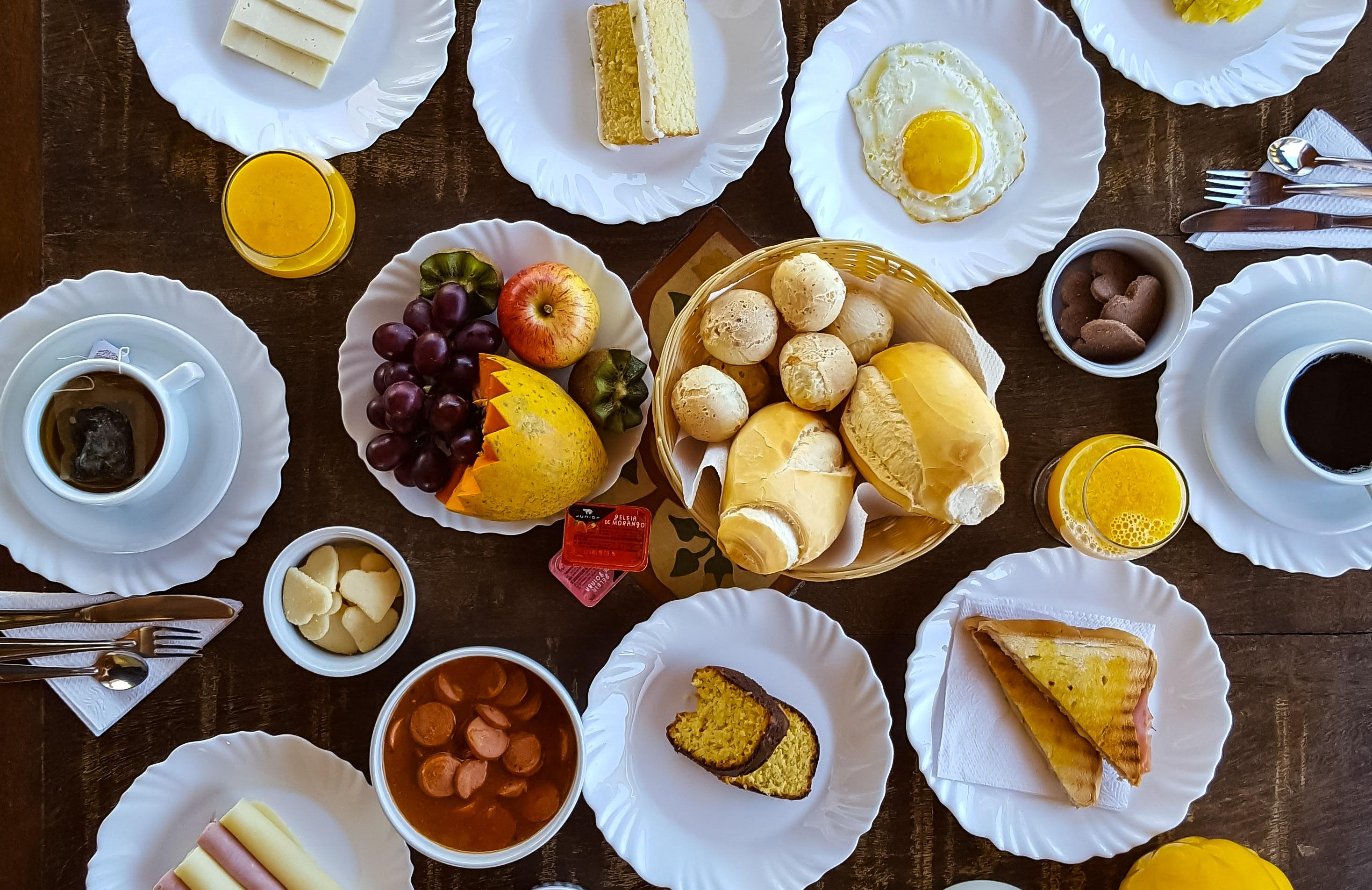 Detalhe da mesa de café da manhã