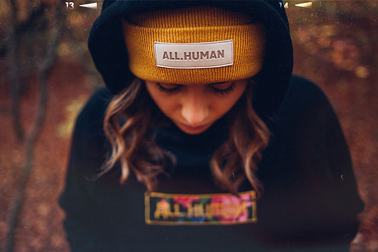 ALL.HUMAN Linda_0304.jpg