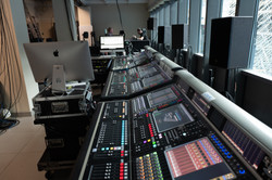 Orchestra and choir consoles