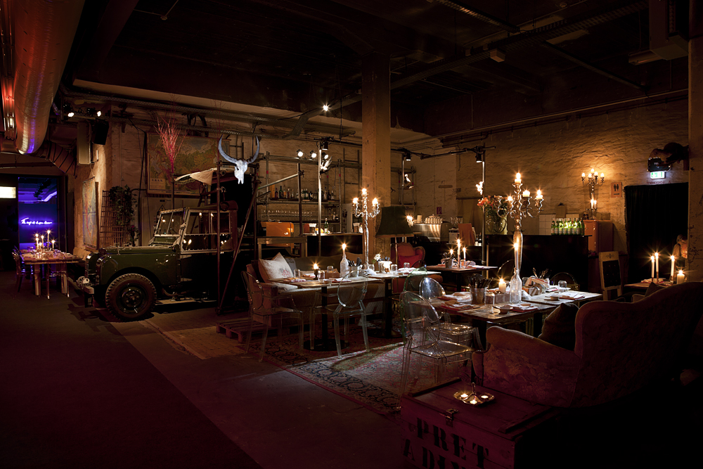 Range Rover Dj Booth & Bar
