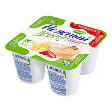 Йогуртный продукт Нежный с соком банана-клубники 0.1%  95г  Campina