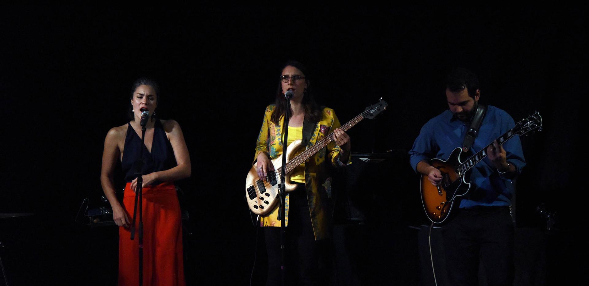 Helvète On The Ground Trio