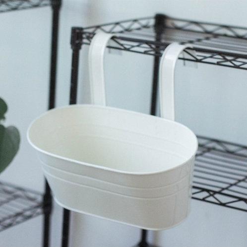 Petit matériel - Les Pots en métal à suspendre sur des barres de charge