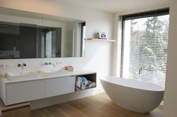 Moderne villa badkamer (1)