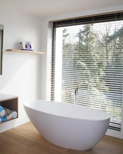 Moderne villa badkamer (2)