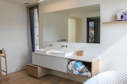Moderne villa badkamer (3)