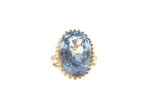 Stunning topaz 18ct gold ring