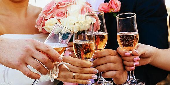 sparkling-wine-for-a-wedding.jpg