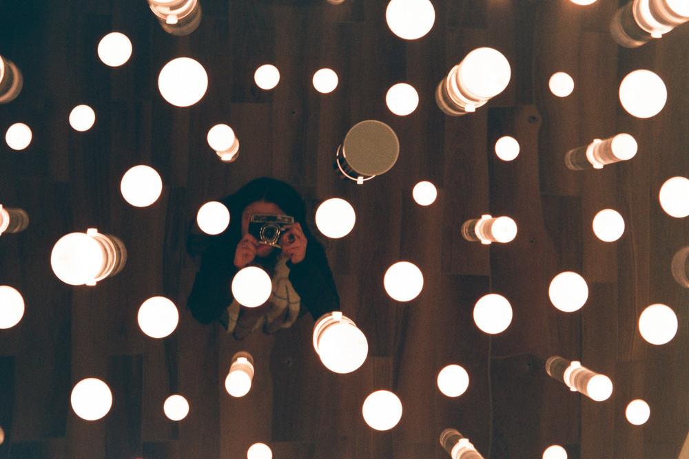 me-on-the-mirror-(film).jpg