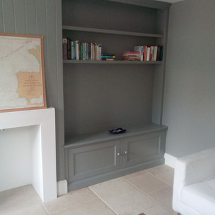 Alcove cupboard for tv on wall mount