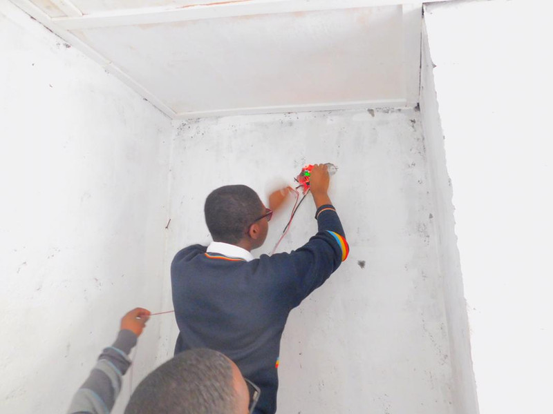 Cinquantenaire students install CO2 volcano gas monitoring sensor – Goma, DR Congo