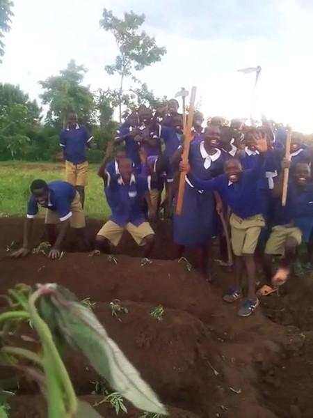 Bungoma, Kenya apprentice farmers celebrate!