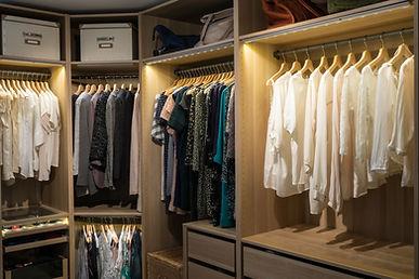 Luxury walk in closet / dressing room wi