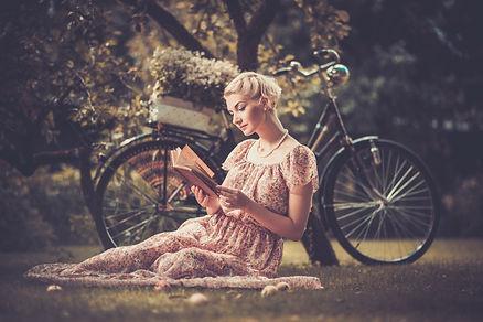 vintage-woman-reading-book.jpg