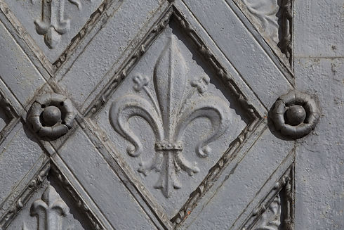 Ornament in the shape of fleur de lis an