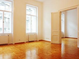 01 Wohnsalon und Schlafzimmer.JPG