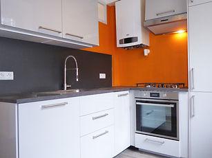 Küche mit Geschirrspüler.JPG
