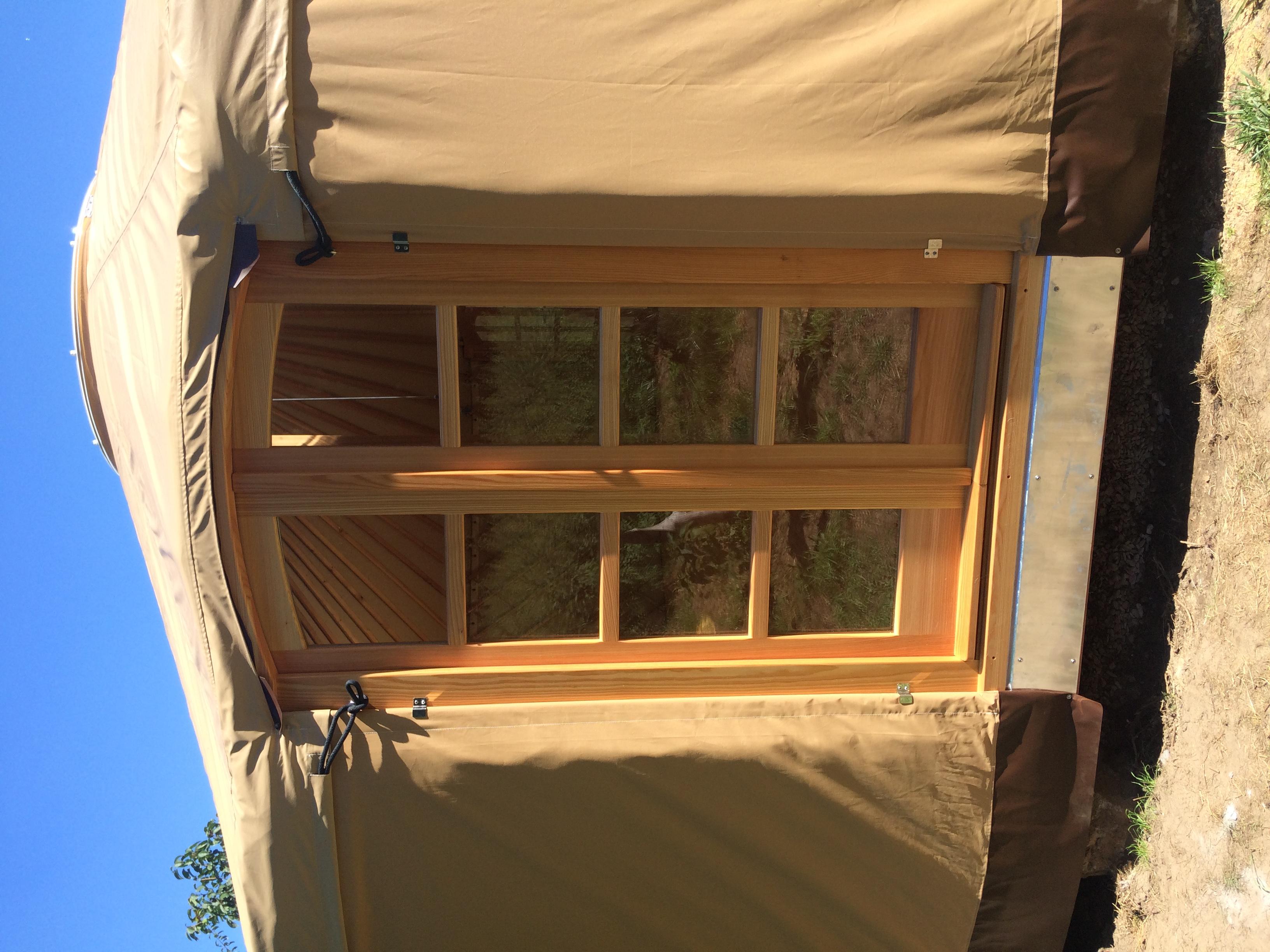 Oblouková fr. okna 114cm, výška180cm