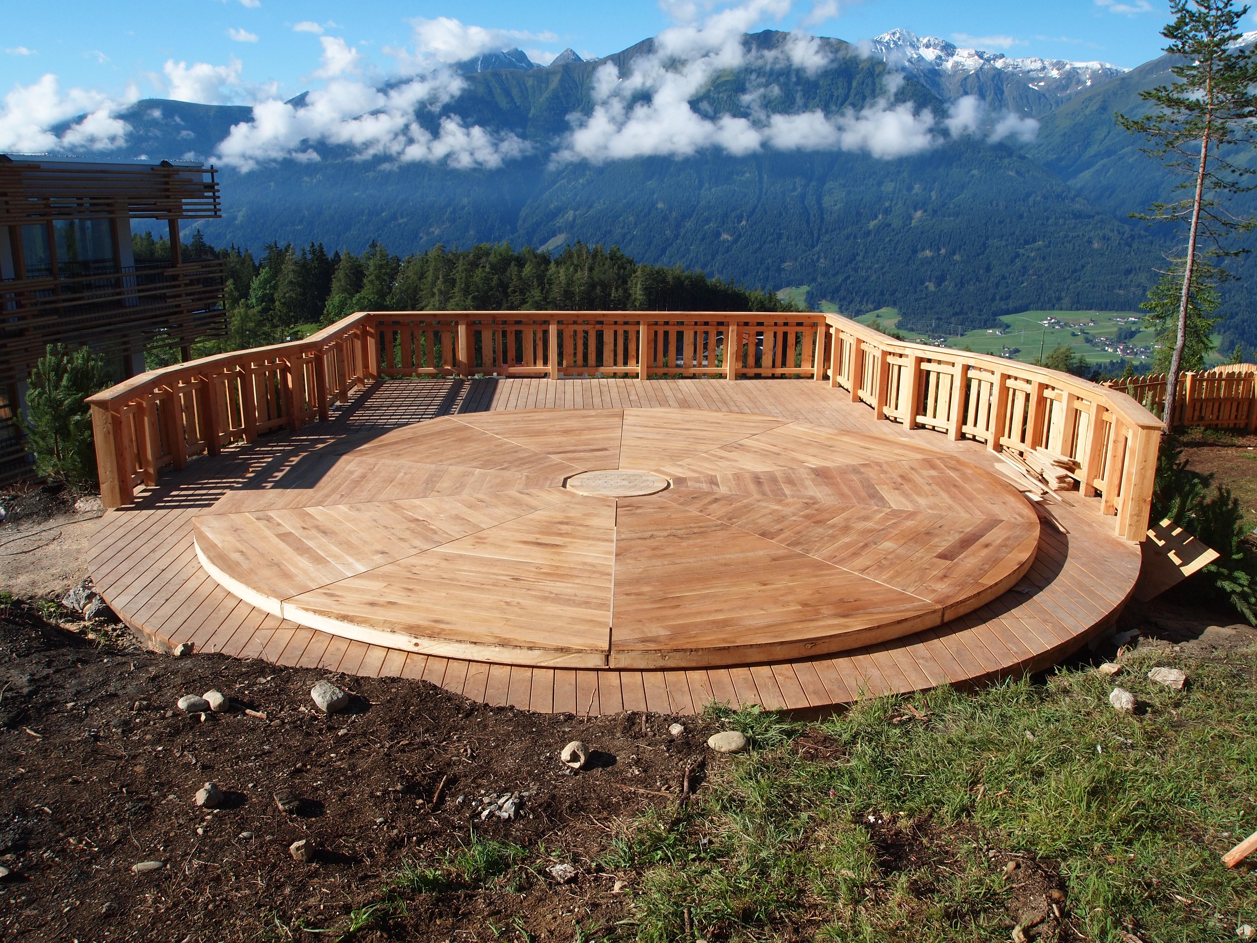 700cm platform - Austria