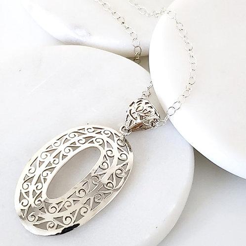 Merida Pendant & Chain