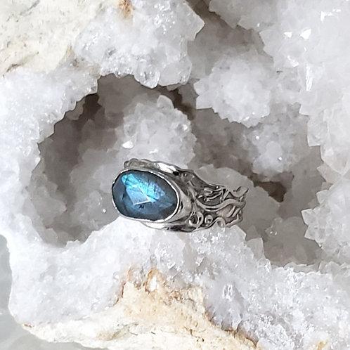 Daria Labradorite Ring