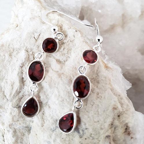 Indira Earrings - Garnet