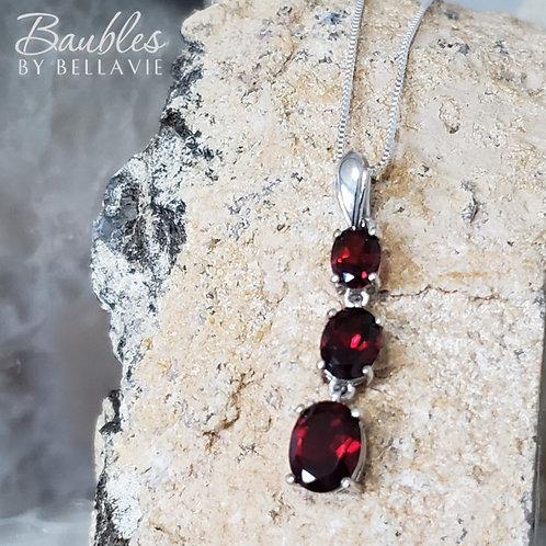 Mariska Pendant & Chain - Garnet