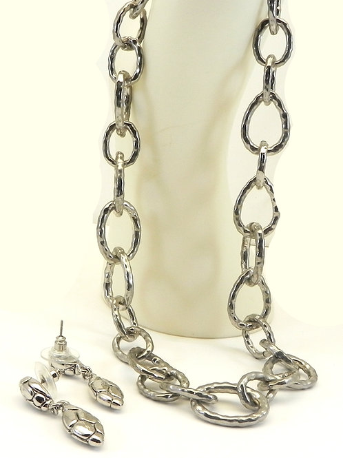 "Designer Inspired Silver-Tone 17"" Hammered Links Necklace & Dangle Earring Set"