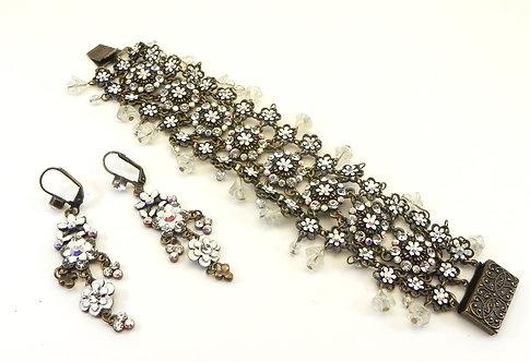 International Designer Inspired Long Feminine Retro-Flowery Bracelet Earring Set